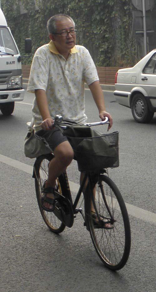 Китайский велосипедист