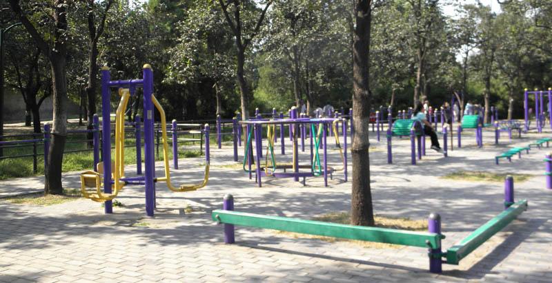 Спортивная площадка в Бэйхай парке